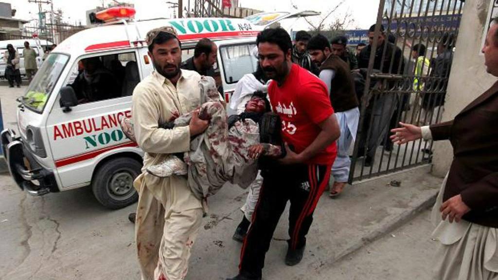 Saldo de 24 muertos tras atentado en Pakistán