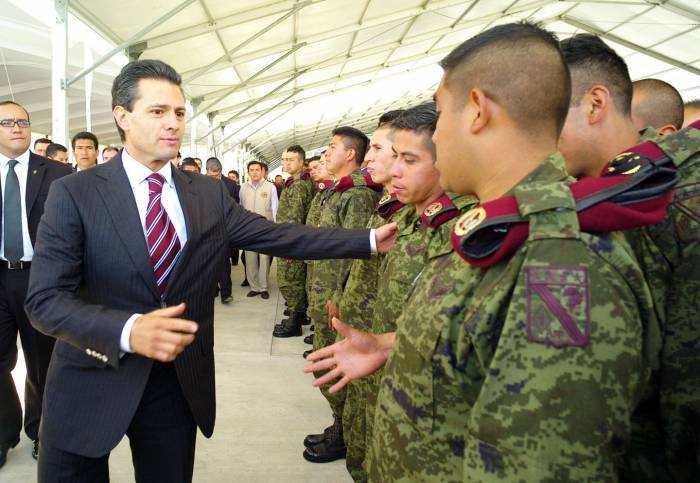 Ejército fabricará cohetes, cañones y aeronaves: Peña Nieto