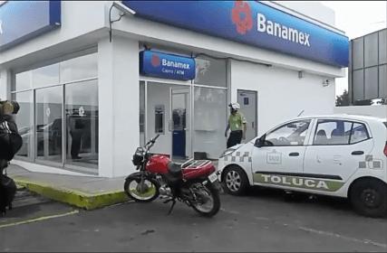 Asaltan banco en Avenida Tecnológico, Metepec