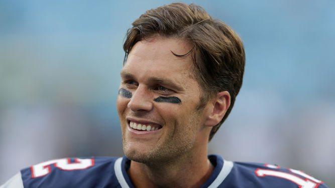 Tom Brady se broncea al desnudo durante sus vacaciones en Italia