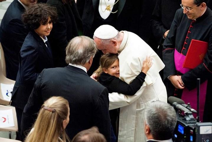 El Papa conforta a familiares de víctimas del atentado de Niza