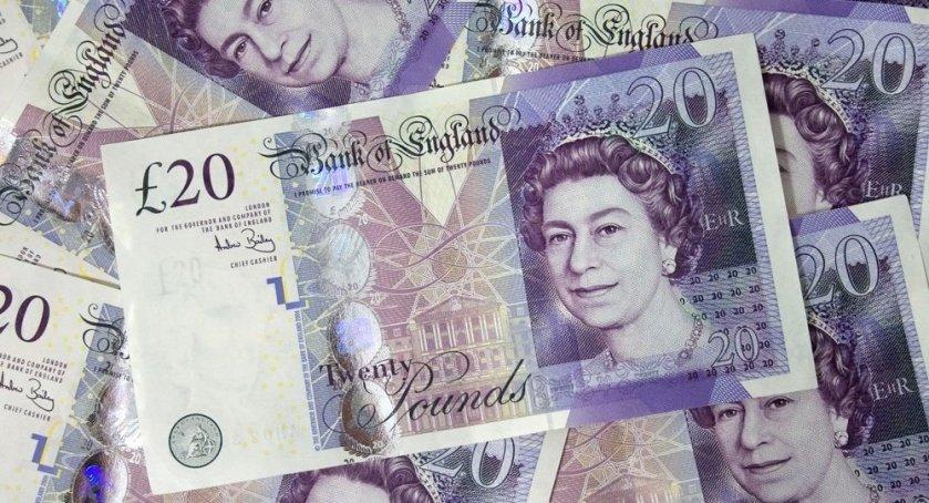 Turbulencias económicas durante el Brexit; Libra en su nivel mas bajo