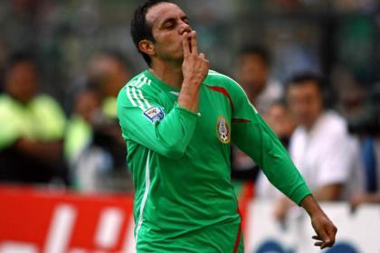 Envidiosos los que critican por venir a jugar a Roma: Cuau