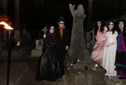 """De """"risa y vergüenza"""" los los recorridos nocturnos en el Panteón de la Soledad en Toluca #Opinión"""