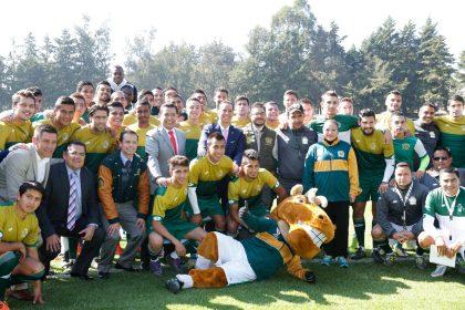 Inauguró Jorge Olvera rehabilitaciónde cancha de futbol asociación