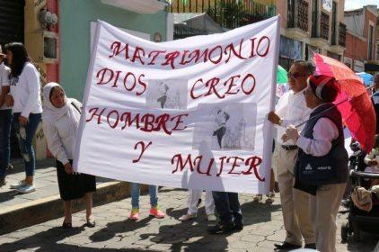 Arquidiócesis pide a EPN diálogo con Frente Nacional por la Familia