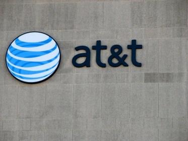 AT&T compra Time Warner en 80 mil millones de dólares