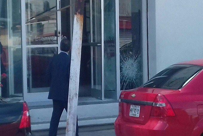 Intentan asaltar casa de empeño en Ecatepec y quedan atrapados