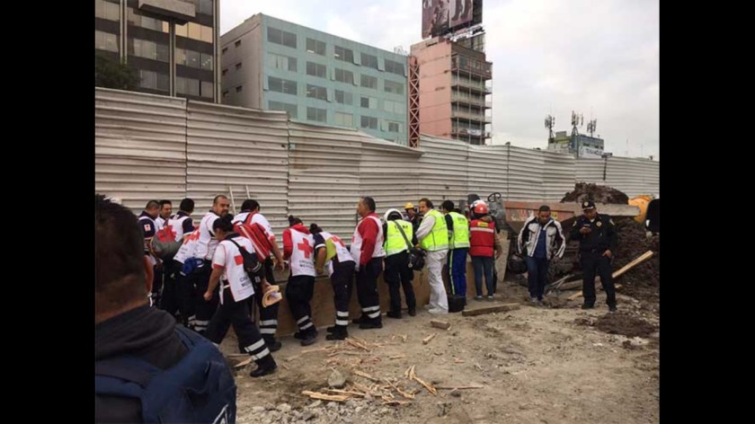 Se registra derrumbe en obras de Avenida Chapultepec