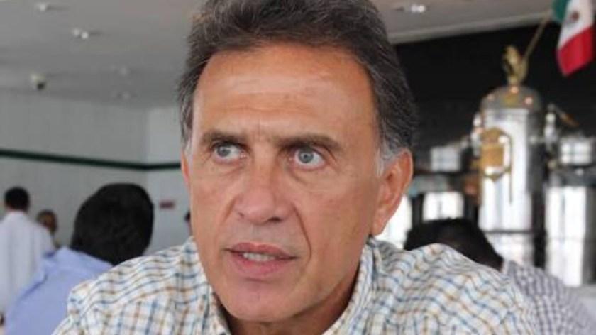Yunes pide a Peña Nieto intervención urgente para Veracruz