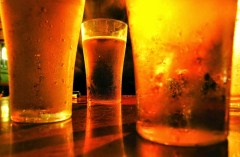 cerveja-artesanal-cerveza-artesanal-vasos