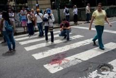 sangre-protesta-venezuela-joven-efe