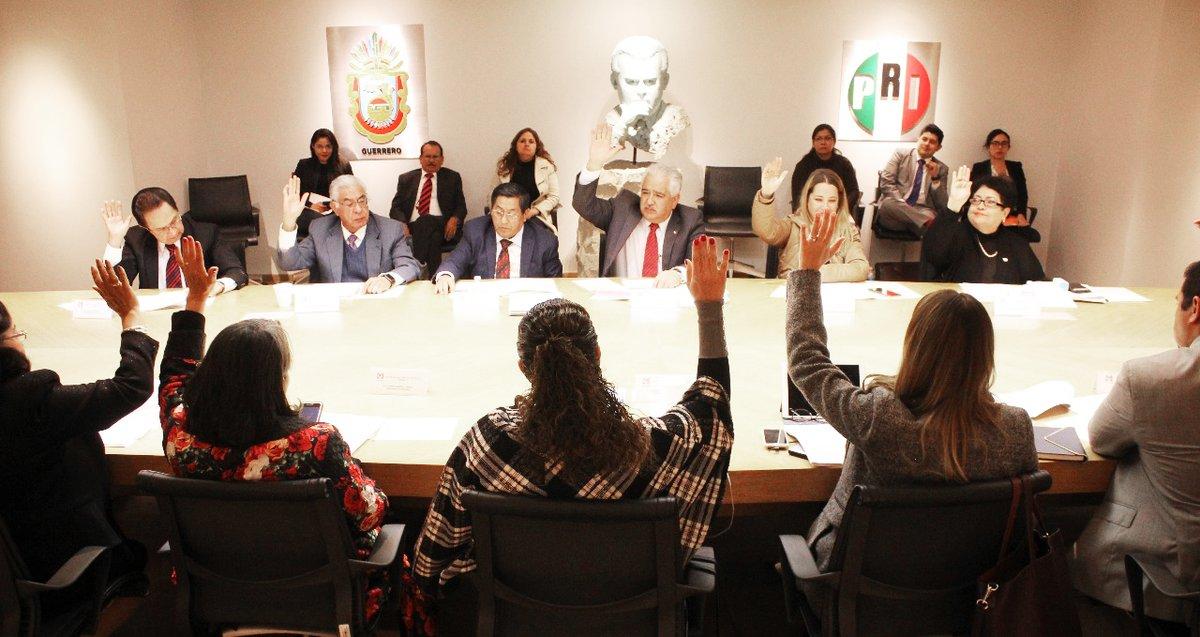 PRI publica convocatoria para elegir a su candidato presidencial PRI