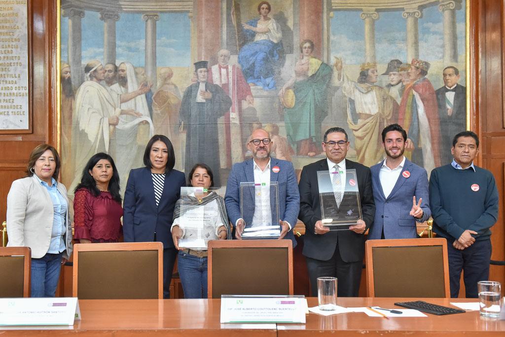 Reconoce Alberto Couttolenc al INAH por restauración de monumentos históricos