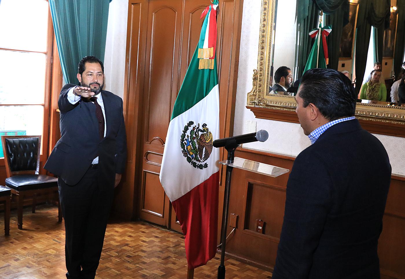 Toluca tiene nuevo secretario del Ayuntamiento y Director General de Gobierno