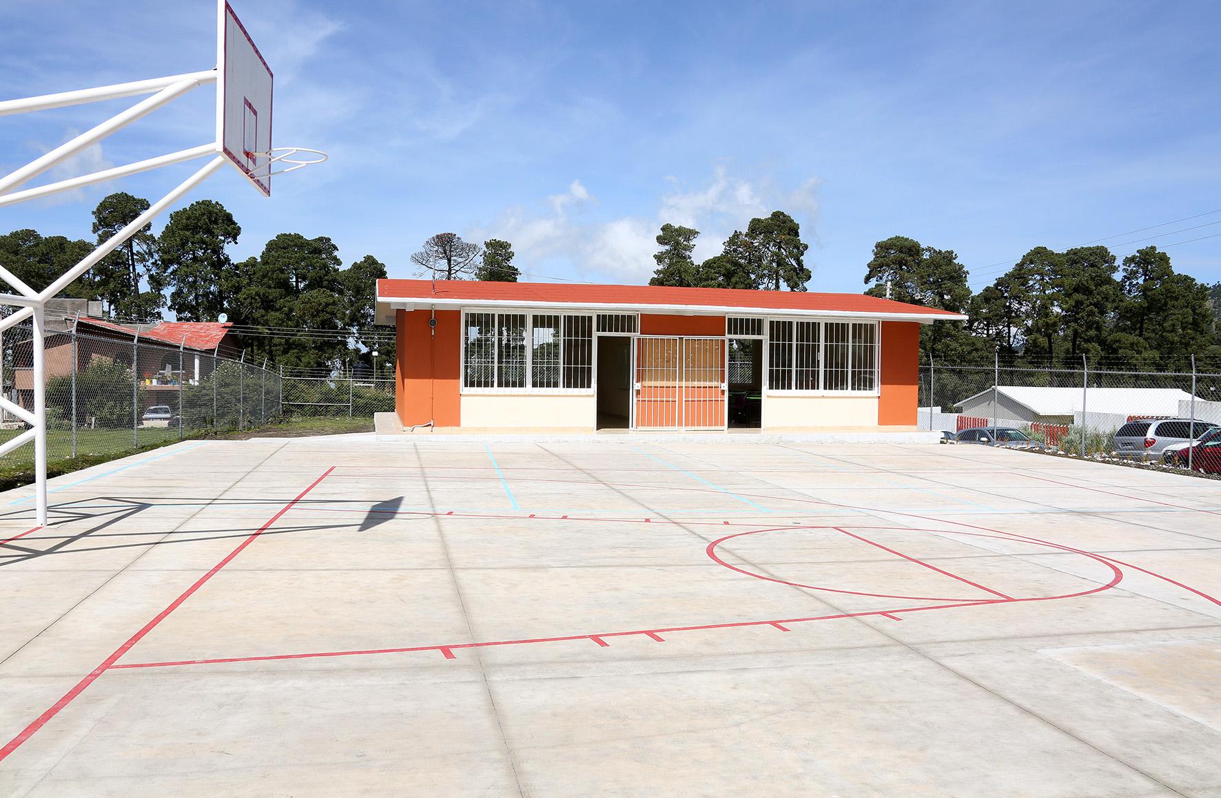 Entrega GEM infraestructura y equipamiento a Telebachillerato de Zinacantepec