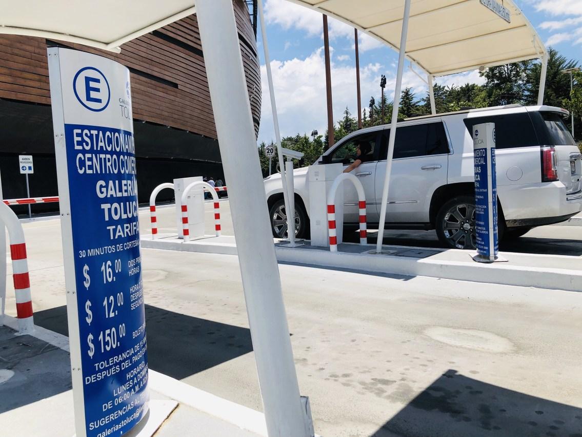 Analizan iniciativa para que estacionamientos respondan por daños a vehículos