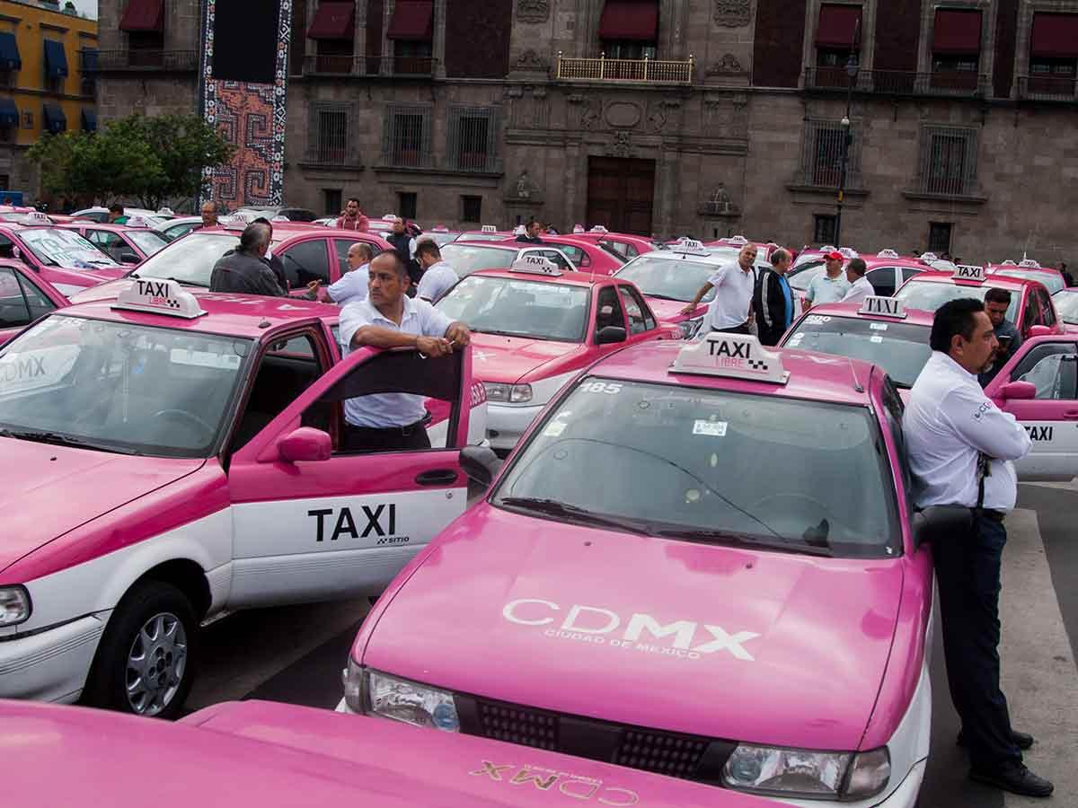 Alrededor de mil unidades de varias entidades del país afectarán la vialidad principalmente del Zócalo y Paseo de la Reforma