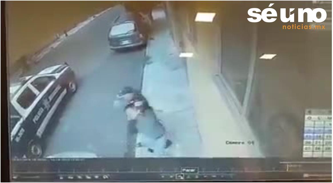 Supuesto policía ahorca y se lleva a un joven en Naucalpan