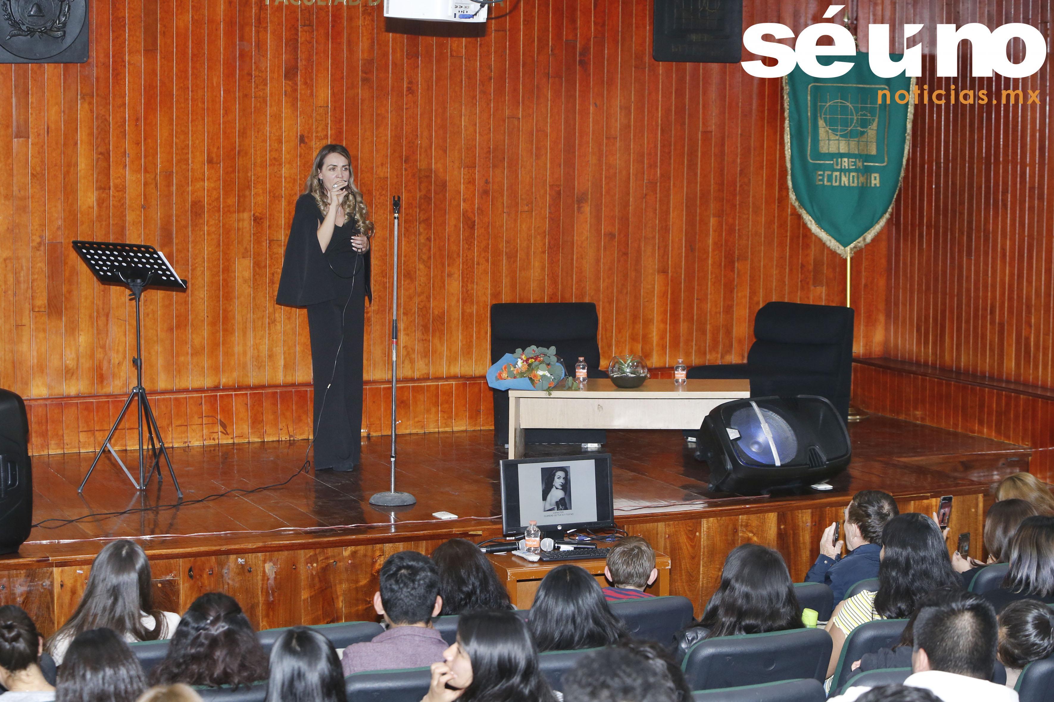 Susana Armenta ofreció conferencia-recital en la UAEM