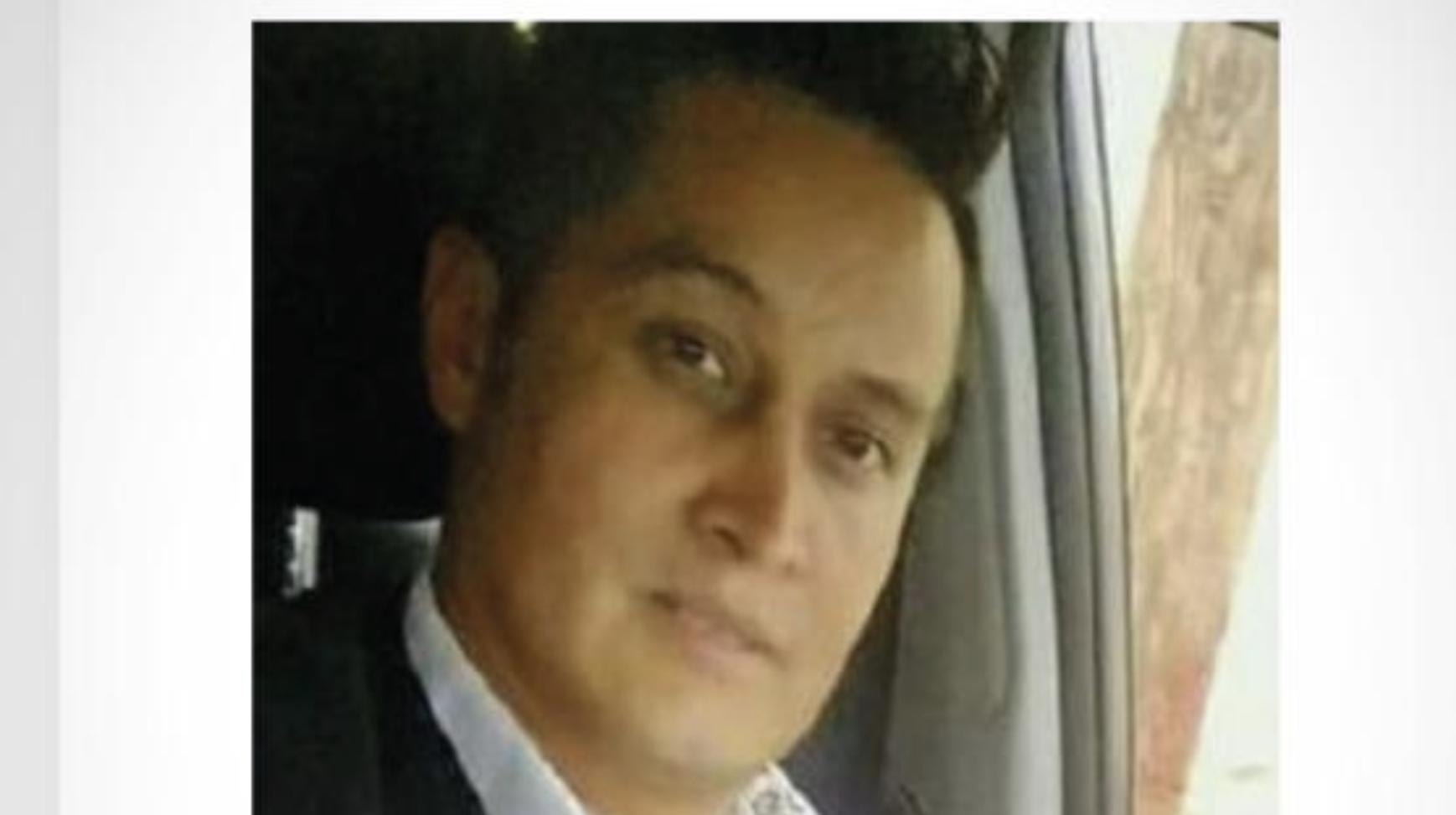 La Fiscalía General de Justicia del Estado de México (FGJEM), autorizó el ofrecimiento de una recompensa de hasta 500 mil pesos a quien o quienes aporten información útil, veraz y oportuna, relacionada con la investigación que realiza esta Institución que coadyuve a la efectiva localización de Edgar Villalva Ceballos.