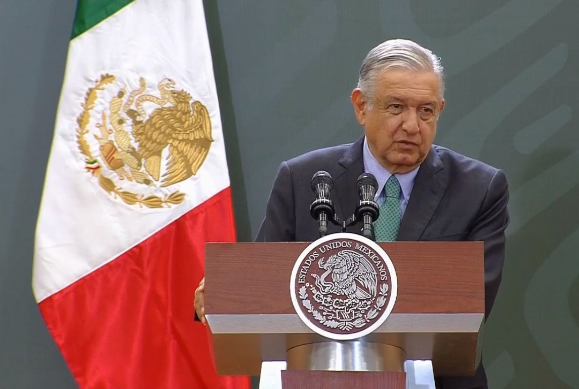 López Obrador anuncia, en Puebla, el programa 'La escuela es nuestra', con el que se rehabilitarán 170 mil escuelas primarias de todo el país