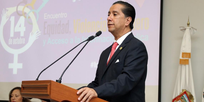 Apostar por la educación para que la mujer se emancipe y empodere: Jorge Olvera