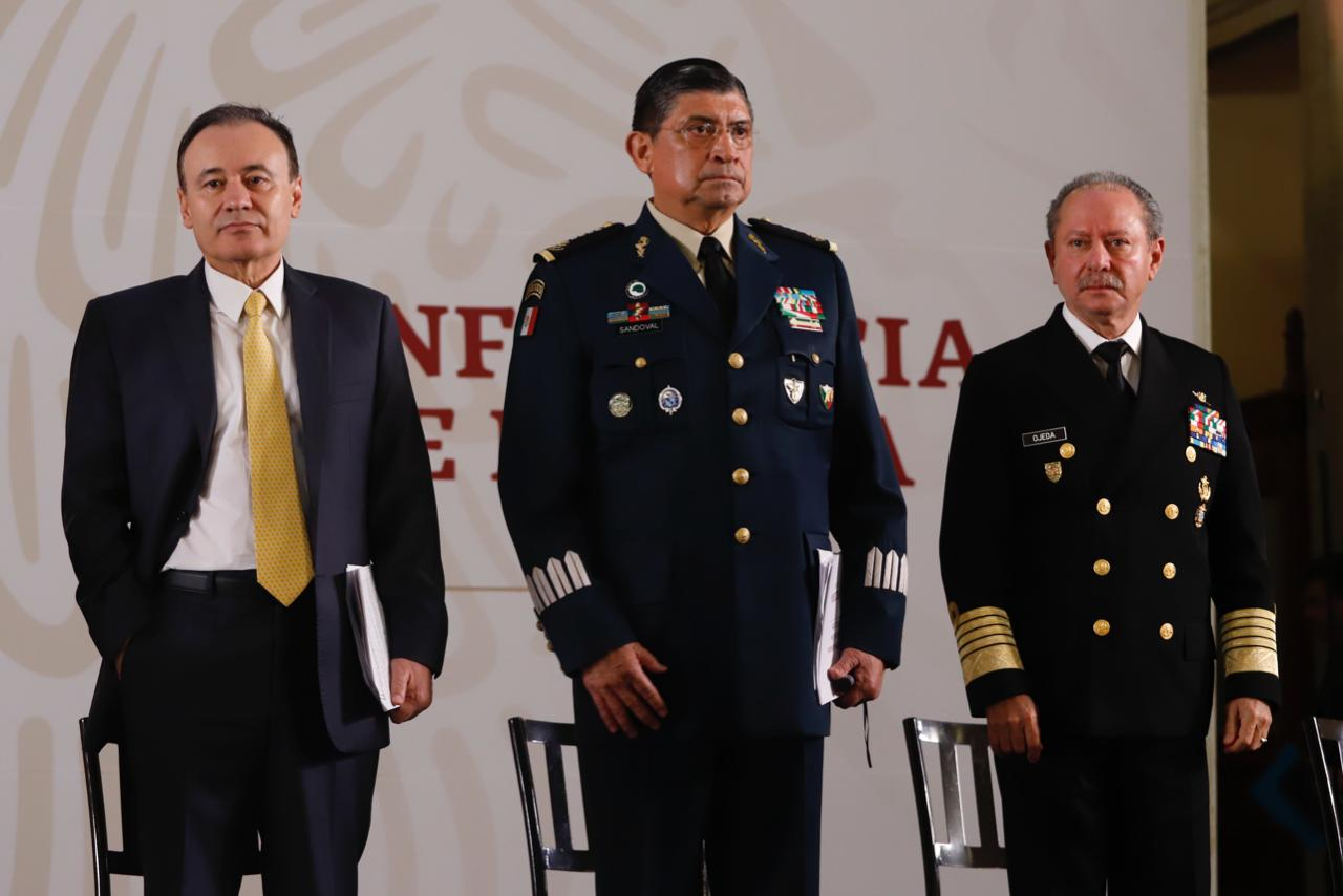 El secretario de la Defensa Nacional, Luis Cresencio Sandoval González, reveló que en el operativo para capturar a Ovidio Guzmán, en Culiacán, Sinaloa, ofrecieron un soborno de tres millones de dólares a militares para liberarlo.