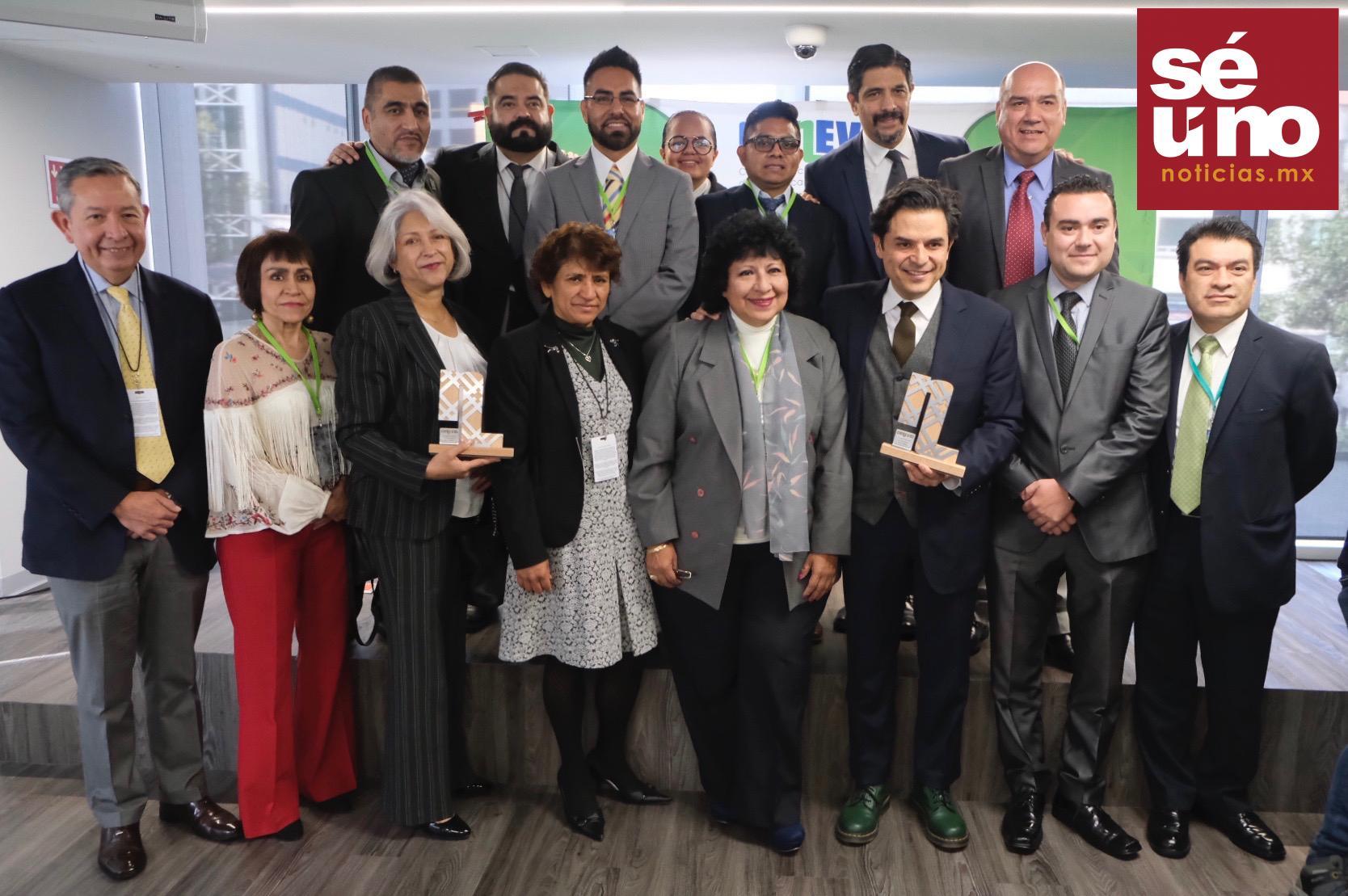 Recibe IMSS dos reconocimientos por buenas prácticas en políticas públicas