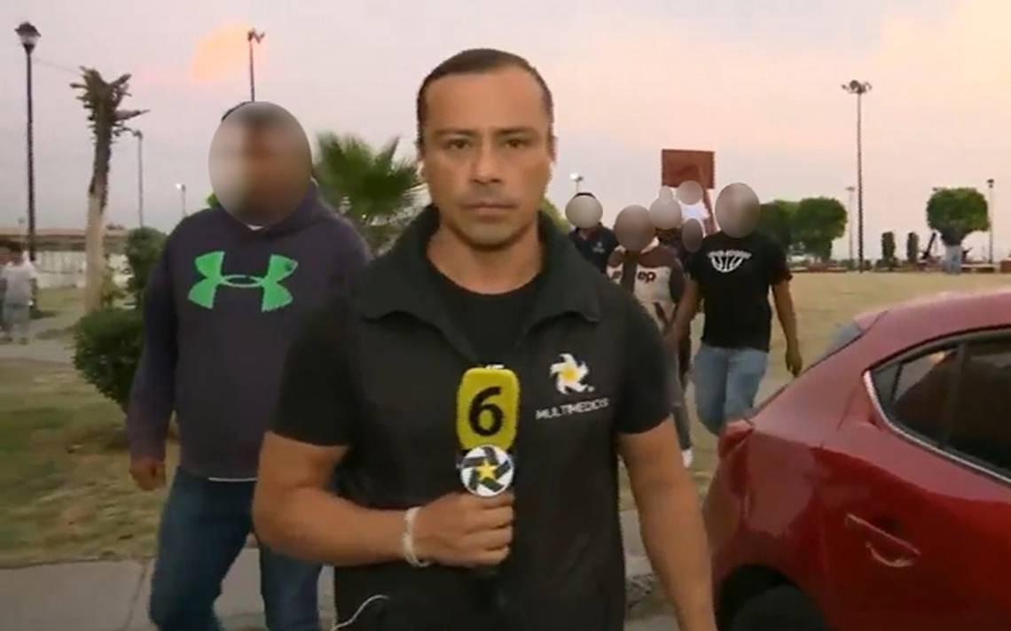 Durante una transmisión en vivo del reportero Aaron Tagle para Telediario Mx, presuntos choferes de la Ruta 5 de Coacalco, Estado de México, agredieron y despojaron de su equipo al reportero y a su camarógrafo.