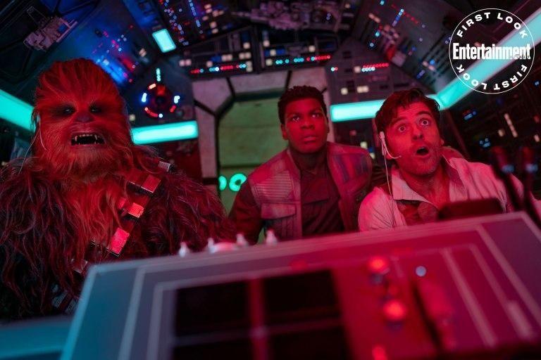 Falta muy poco para el estreno de la cinta que terminará la nueva trilogía de Star Wars, y por esta razón, una revista estadounidense, lanzó unas cuantas fotografías de lo que aparecerá en el film.