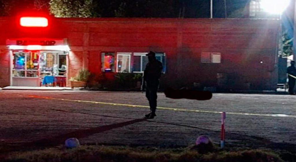 Anoche, un grupo armado ingresó en las instalaciones de un restaurante o parador con el nombre de San Fernando, ubicado en la carretera Celaya-Salamanca en el municipio de Villagrán, Guanajuato y asesinó a 9 personas.
