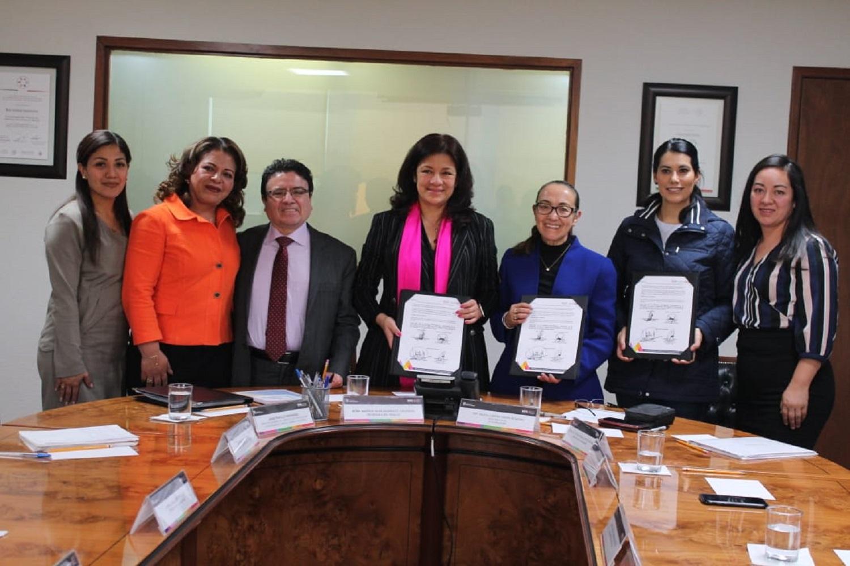 Firma Secretaria del Trabajo convenio en materia de capacitación con asociaciones civiles de Chalco