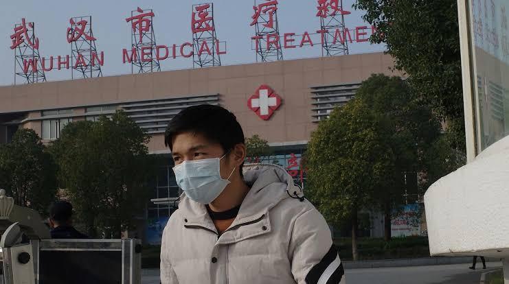 Especialistas chinos identificaron un nuevo tipo de coronavirus como la causa del misterioso brote de neumonía que infectó a 59 personas en Wuhan, en la central provincia china de Hubei.