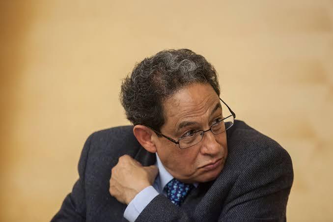 Juez autoriza embargar a Sergio Aguayo tras demanda de Moreira