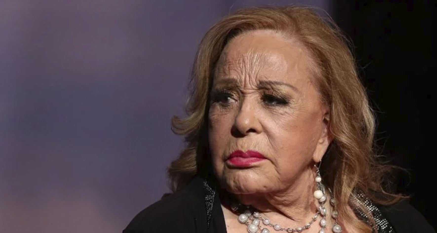 Pago 90 mil por una cirugía y le deforman la cara a Silvia Pinal
